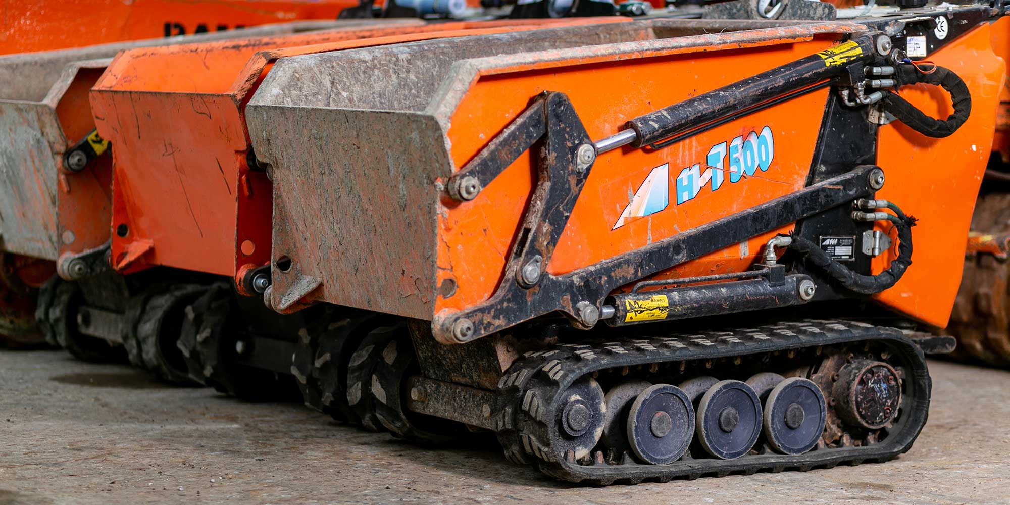 Hi-T500 mini tracked dumper